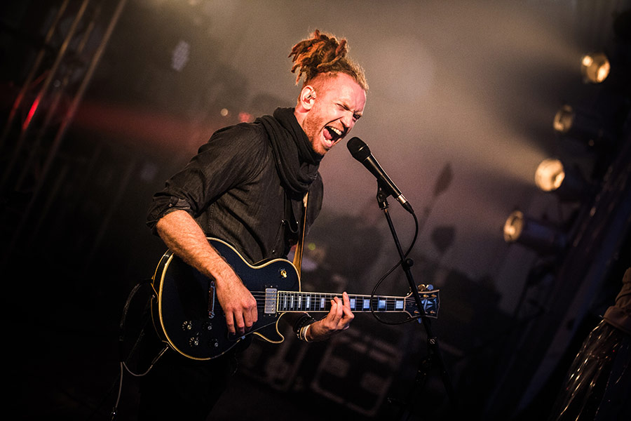 Newton-Faulkner-Session-43